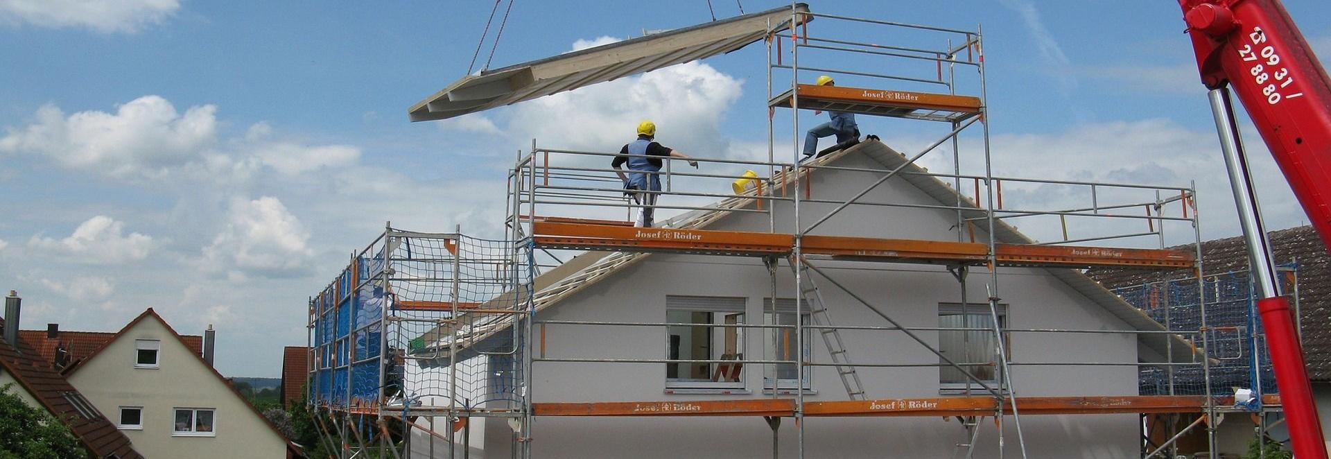Bauherren brauchen Versicherungsschutz, ob vor, während oder nach dem Bau. Dabei können sie viel Geld sparen, wenn sie die richtige Police wählen. Unsere Beratung unterstützt Sie bei der richtigen Auswahl