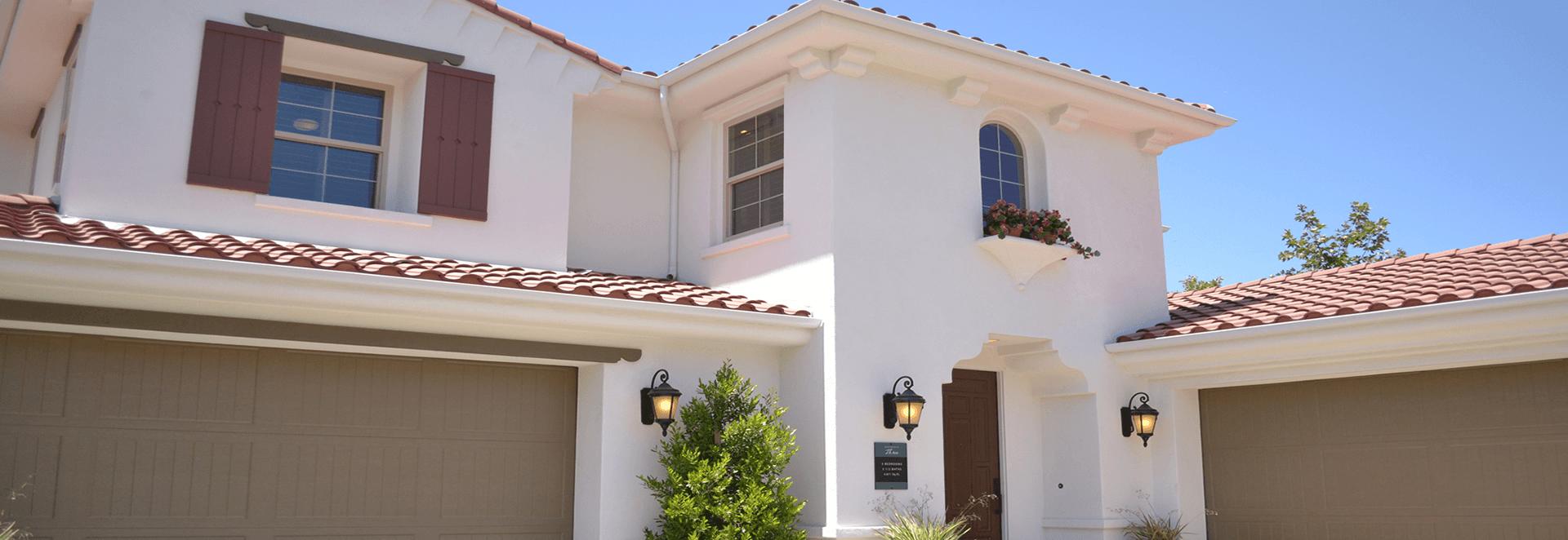 Wenn Sie die beste Wohngebäudeversicherung für Ihre Bedürfnisse suchen, können Sie sich mit den Tarifen und Zusatzbausteinen von Leo Forsbeck individuell günstig absichern